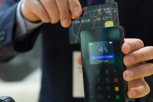 kreditkort snart minne blott?